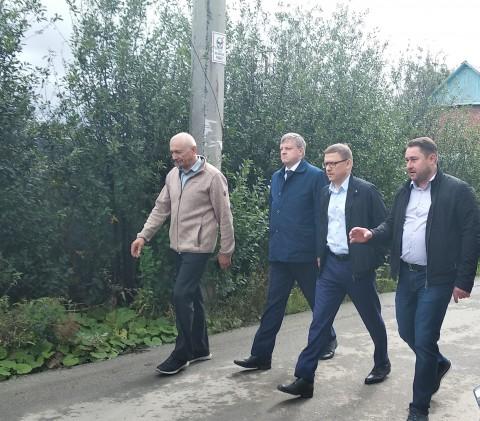 Глава Челябинской области Алексей Текслер посетил садовое товарищество «Искра»