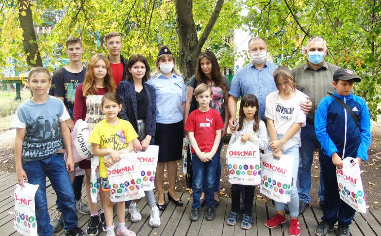 В Липецкой области в рамках акции «Помоги пойти учиться» сотрудники полиции и общественники организовали для подростков спортивный праздник