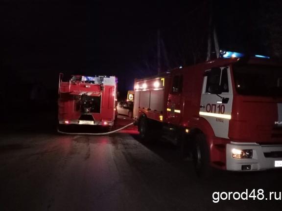 Во время пожара в садовом доме погибли два человека